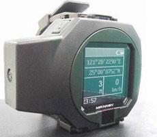 MainNav MW-705 – часы и навигатор со встроенным Bluetooth-адаптером